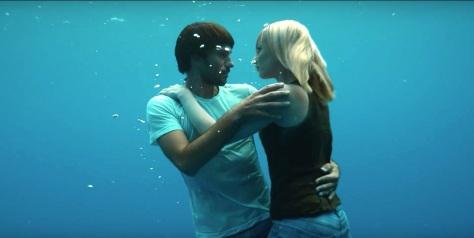 Guillaume Néry et Alice Modolo, deux apnéistes français pour le dernier clip de la chanteuse américaine Beyoncé.